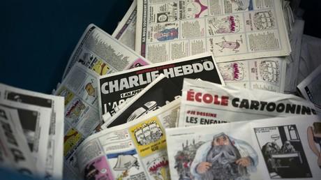 Si toute l'Europe était Charlie il y a deux ans, qu'en est-il aujourd'hui? C'est au tour de l'Italie d'être indignée par l'humour corrosif de l'hebdomadaire, qui n'épargne pas les victimes de catastrophes naturelles
