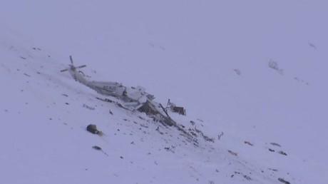 Premières images d'Italie, où un hélicoptère s'est écrasé dans les Abruzzes