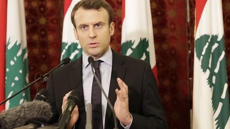 Visites officielles et déclarations chocs : Emmanuel Macron en marche vers le pouvoir ?