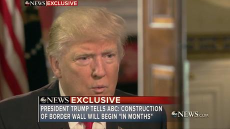 Donald Trump annonce la construction d'une barrière entre le Mexique et les Etats-Unis ainsi que des mesures contre l'immigration illégale, capture d'écran Twitter/ABC News, DR