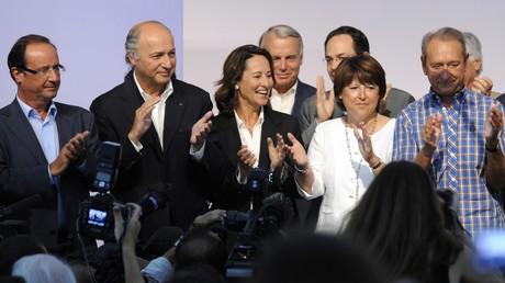 François Hollande, Laurent Fabius, Ségolène Royal, Jean-Marc Ayrault, Martine Aubry et Bertrand Delanoë au Congrès d'été du PS à La Rochelle en 2010.