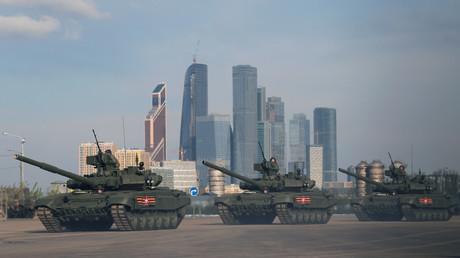 Des chars russes T-90 lors d'une répétition de la Parade de la Victoire