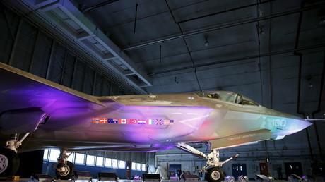 Le F-35 passe plus de temps au hangar que dans les airs
