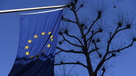 La Commission européenne est inquiète et entend engager les réseaux sociaux dans la chasse aux