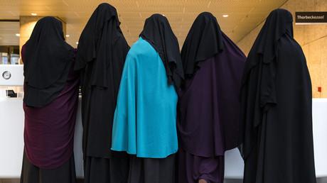 Des femmes portant un niqab (photographie d'illustration)