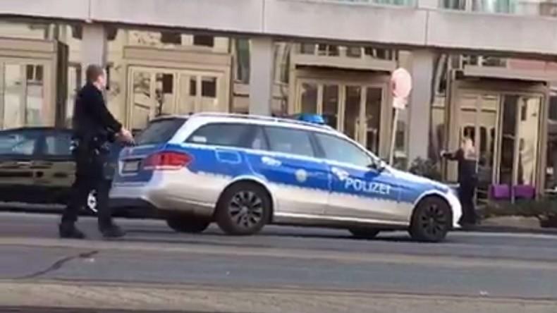 Un conducteur fonce dans la foule en Allemagne, blessant trois personnes