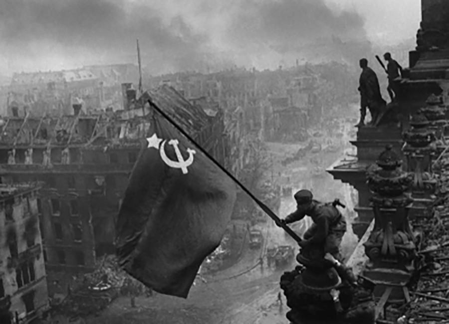 La Russie construit une réplique du Reichstag pour les enfants de la Jeune armée