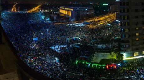 C'est une véritable marée humaine qui a déferlé dans les rues de Bucarest