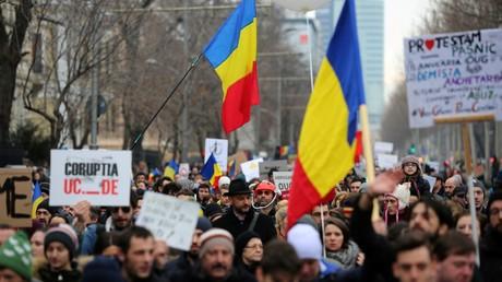 Roumanie : le recul du gouvernement n'apaise pas la colère de la population