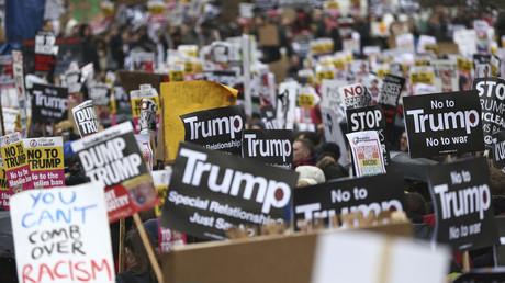 Manifestation contre le décret Trump