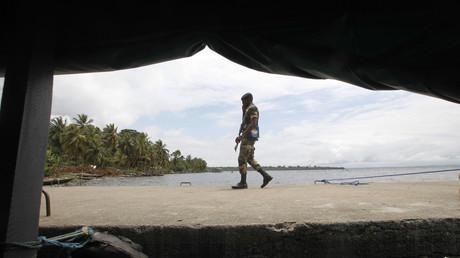 La ville d'Adiake, située au sud-est du pays, a été prise de panique au passage d'hommes en armes, membres des forces spéciales, qui auraient tiré en l'air
