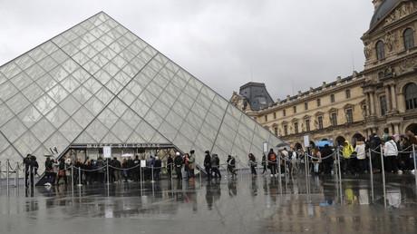 Attaque au Louvre : le suspect affirme qu'il voulait taguer des œuvres d'art