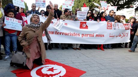 Une manifestation en Tunisie contre le retour au pays des citoyens qui se battent pour des groupes extrémistes.