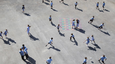 Le Royaume-Uni tenté par les caméras de surveillance dans les salles de classe