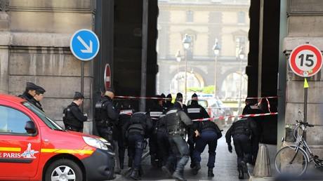 L'assaillant du Louvre «formellement identifié» comme étant Abdallah El-Hamahmy