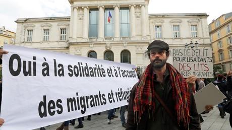 Aide aux migrants : l'agriculteur Cédric Herrou condamné à 3 000 euros d'amende avec sursis