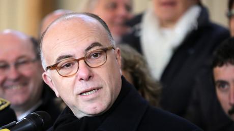 Cazeneuve évoque l'«émotion légitime» de l'affaire Théo mais condamne les «violences inacceptables»