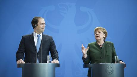 Le Premier ministre tunisien Youssef Chahed et la chancelière allemande Angela Merkel.