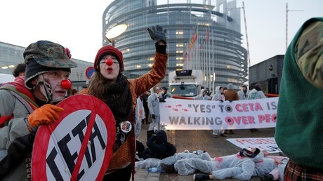 Plusieurs manifestations à Strasbourg pendant le vote sur le CETA (IMAGES)