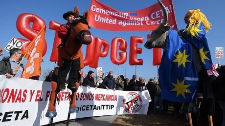La ratification du CETA pourrait prendre du temps au vu de l'opposition de nombreux acteurs de la classe politique