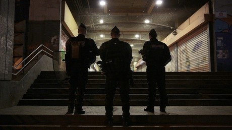 Affaire Théo : les caméras de surveillance semblent confirmer la version d'un des policiers
