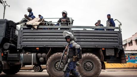 Une vidéo montrant l'exécution sommaire de plusieurs civils par des membres présumés de l'armée congolaise a été diffusée sur internet, provoquant l'inquiétude du quai d'Orsay