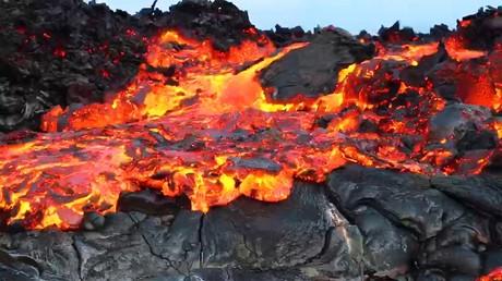Les années de feu : découvrez les images d'un volcan en éruption depuis plus de 30 ans (VIDEO)