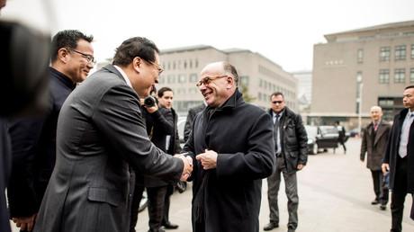Bernard Cazeneuve demande à la Chine de s'ouvrir davantage aux produits français