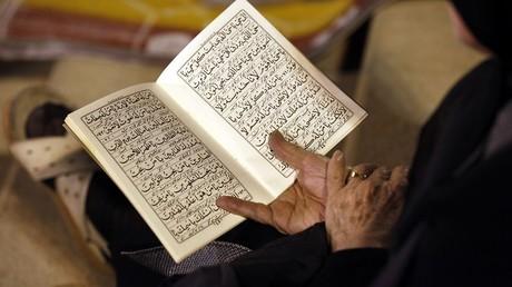 Un Danois inculpé pour blasphème après s'être filmé en train de brûler le Coran