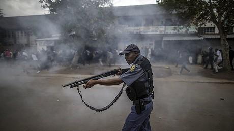 Afrique du Sud : violentes émeutes en marge de manifestations anti-immigrés (IMAGES)