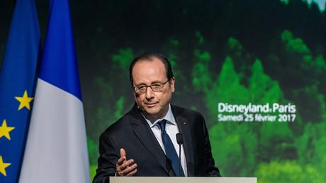 Hollande invite Trump à Eurodisney pour qu'il «comprenne ce qu'est la France» : tempête sur Twitter