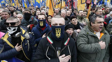 Les activistes des groupes ultranationalistes à Kiev, Ukraine.