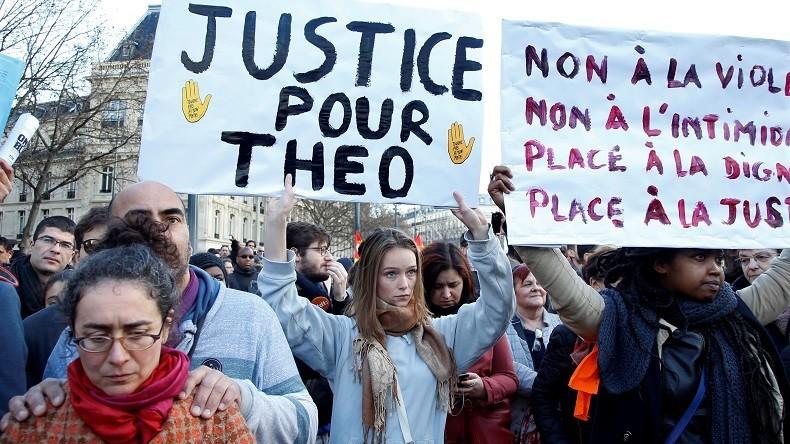 Affaire Théo : un PV suggère que le jeune-homme était un «indic» et aurait été violé par des dealers