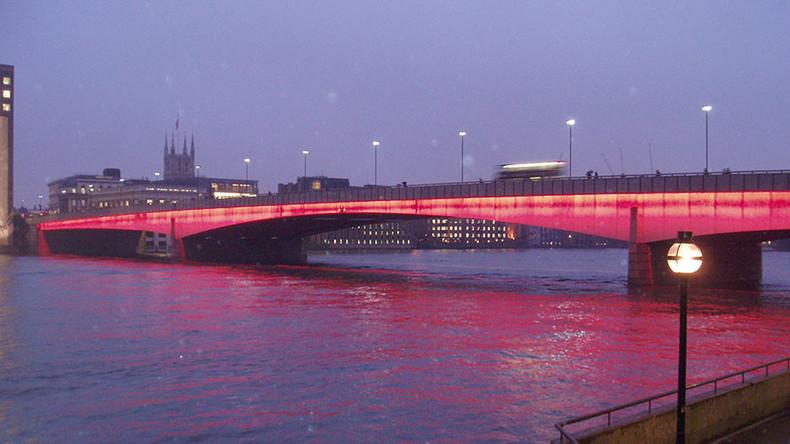 Royaume Uni Evacuation Massive Du Pont De Londres Pour