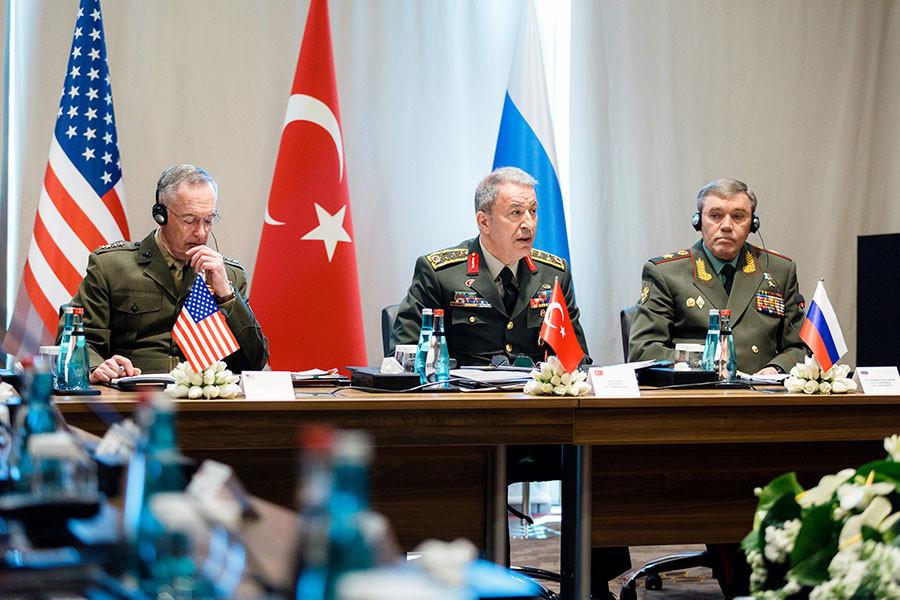 Les chefs d'Etat-major turc, américain et russe en Turquie pour discuter de l'Irak et de la Syrie