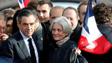 Où François Fillon a-t-il vu annoncer le «suicide de [sa] femme» ?