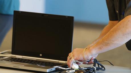 Risque de cyberattaque : les députés des Français de l'étranger fustigent l'abandon du vote en ligne
