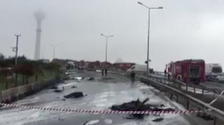 Istanbul : le crash d'un hélicoptère fait sept morts, dont des Russes (IMAGES)