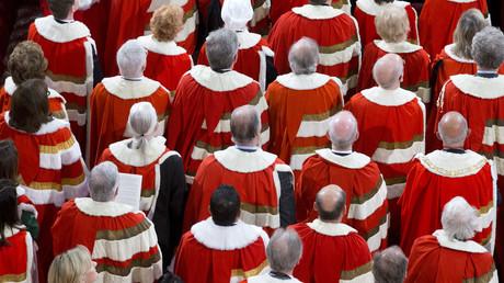 Les membres de la Chambre des Lords