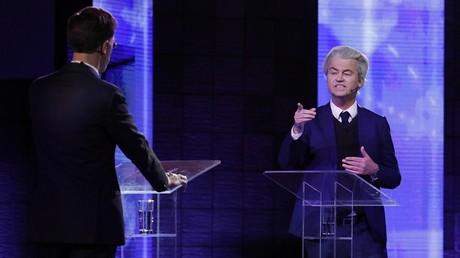 Débat télévisé houleux entre le Premier ministre néerlandais Mark Rutte et son rival eurosceptique Geert Wilders le 13 mars 2017 à Rotterdam