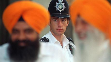Royaume-Uni : des passeurs ont utilisé le turban sikh pour tromper les contrôles aux frontières