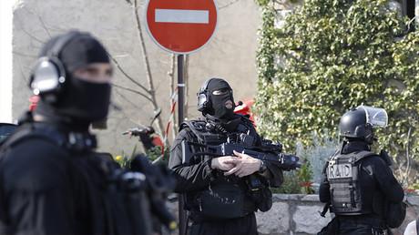 Intervention du RAID lors de la fusillade du Lycée Tocqueville à Grasse, le 16 mars 2017, photo ©Eric Gaillard/Reuters