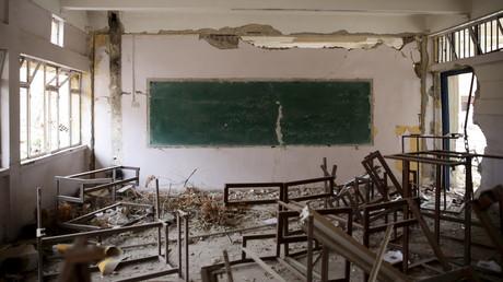 Une photo d'archive, une école détruite près de Damas