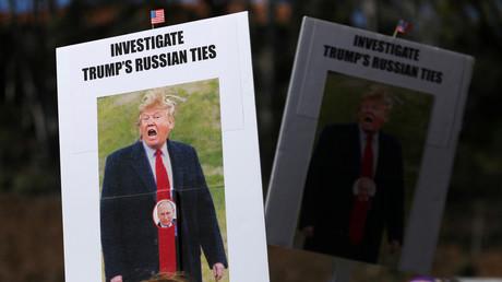 Une bannière à une manifestation anti-Trump