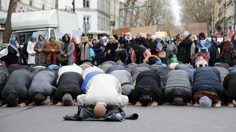 La police a procédé à l'évacuation de la mosquée de Clichy
