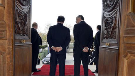 François Hollande aurait, selon les auteurs de Bienvenue place Beauvau, fait remonter les affaires du fils de Laurent Fabius pour déstabiliser ce dernier