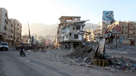 La ville yéménite de Taïzz après des bombardements de la coalition arabe