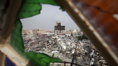 Les destructions après les frappes de l'Arabie saoudite à Yémen