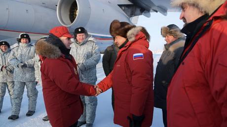 En voyage dans l'Arctique, Vladimir Poutine s'est rendu à l'archipel François-Joseph (VIDEO)