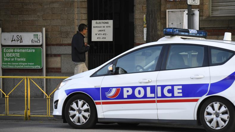 Besançon une arme découverte dans une voiture deux bureaux de